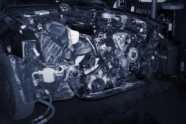 Werkstatt Motor 100_5784_sw
